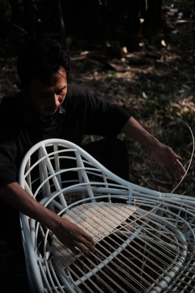 All our wood is sustainable and high quality, and is crafted by Indonesian artisans. Heaps & Woods
